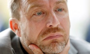Jimmy Wales, co-founder of Wikipedia, is to help the government in its bid to make taxpayer-funded research available for free online